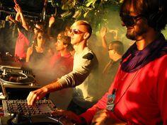 Richie Hawtin DJs