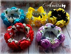 Bun Bow, Bun Wrap, Diy And Crafts, Arts And Crafts, Puffy Paint, Kanzashi Flowers, Satin Flowers, Girls Bows, Sewing Hacks