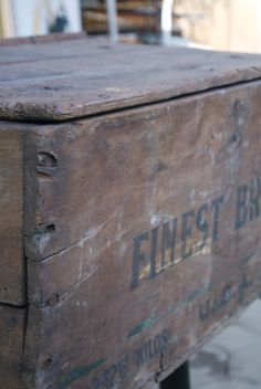 finest brand - original reclaimed wood box
