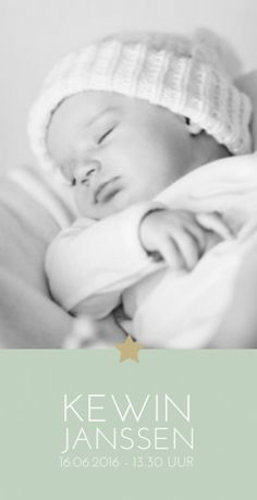 It's an important developmental skill for your baby to self soothe. Here are some very basic ways to teach your baby to fall asleep alone. Travel Tips With Baby, Self Photography, Travel Icon, After Baby, First Time Moms, Baby Pictures, Mom And Dad, How To Fall Asleep, New Baby Products