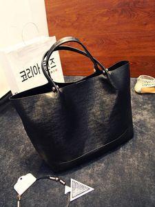 schwarze ,feine Handtasche