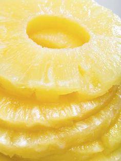 Beneficios de comer piña: La piña contrarresta el estreñimiento por la fibra que contiene y ayuda a regular movimiento del intestino