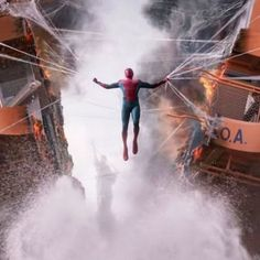 """[NEW] HD look of Tom as Spider-Man from the """"Spider-Man: Homecoming"""" trailer! @tomholland2013 