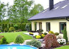 Privacy Landscaping, Backyard Patio Designs, Beautiful Flowers Garden, Home Design Plans, Simple House, Garden Design, Pergola, Home And Garden, Exterior
