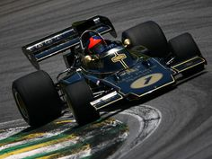 Emerson Fittipaldi in the LOTUS 72D which the 2007 LOTUS ELISE TYPE 72D celebrates
