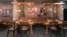 Das Studio Tim Raue Rustic Restaurant, Restaurant Bar, Bar Interior, Interior And Exterior, Take A Seat, Cafe Bar, Exterior Design, Diy Design, Coffee Shop