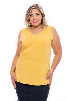 Kiváló minőségű, tiszta pamut anyaga biztosítja a kellemes viseletet a legnagyobb melegben is. Négy színben és 5 méretben kapható! A szabásvonalak és a kis slicc kétoldalt visznek bele egy kis rafinériát. Divatos és kellemespamut atléta nyárra. Clothes 2019, Summer Clothes, Summer Outfits, V Neck, Tops, Women, Fashion, Summertime Outfits, Moda