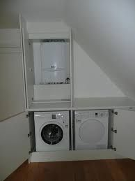 zolder wasmachine wegwerken - Google zoeken Small Utility Room, Small Laundry Rooms, Laundry Room Design, Attic Loft, Loft Room, Laundy Room, Downstairs Loo, T Home, Sleeping Loft