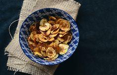 A delícia das delícias: aprenda a fazer chips de banana!   Casa&Cozinha