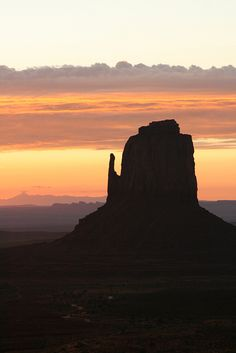 Monument Valley Sunrise -