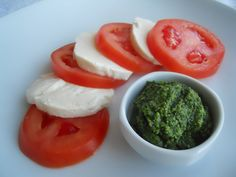 Italian Caprese Salad:  I had some pesto left so I thought about making my the most ever favorite Caprese salad. Everything ...[read more at Food Frenzy]