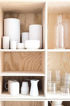 How to display your dishes in an open shelving in the kitchen.