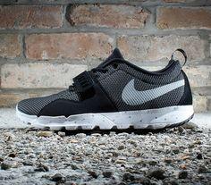 61167434330e Nike SB Trainerendor  Black White-Metallic Silver Nike Sb