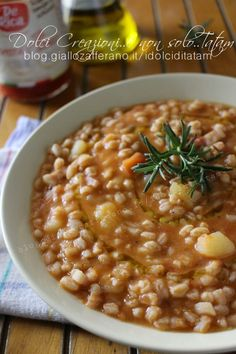 Zuppa di farro con patate al pomodoro, comfort food Best Italian Recipes, Best Dinner Recipes, Raw Food Recipes, Veggie Recipes, Indian Food Recipes, Soup Recipes, Chicken Recipes, Healthy Recipes, Edamame