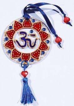 originalyexclusiva | MINI MANDALAS Cd Crafts, Diy And Crafts, Arts And Crafts, Recycled Cds, Mandala Art, Mini, Dream Catcher, Recycling, Christmas Ornaments