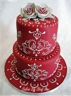 Check out this stunning Italian wedding cake by Craftsy member Chef Sam with techniques learned from Modern Piping with Joshua John Russell! Click the image for a closer look at this fantastic project and the course that inspired it! Don't forget to click the heart on the project page to let the decorator know what you think! #cakedecorating #weddingcake