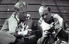 Finn Thorsager and Reidar From inspects a camera, Catterick, spring of 1942.