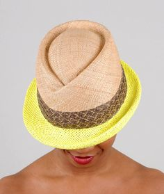 For sunny days: a straw fedora with bright yellow brim. #EtsyFrance
