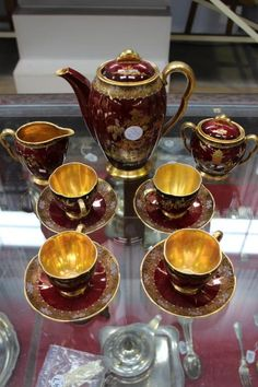 Carlton Ware coffee set, New Micado, red Coffee Set, Coffee Time, Coffee Cups, Tea Time, Chocolate Pots, Chocolate Coffee, Carlton Ware, Coffee Service, Tea Sets