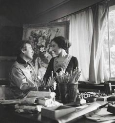 Marc Chagall e Bella a Parigi tra il 1938 . A personal blow struck Chagall in September 1944, when his beloved Bella died of a viral infection, leaving the artist incapacitated with grief. His sadness at the loss of his wife would haunt Chagall for years to come, as represented most poignantly in his 1945 paintings Around Her and The Wedding Candles.