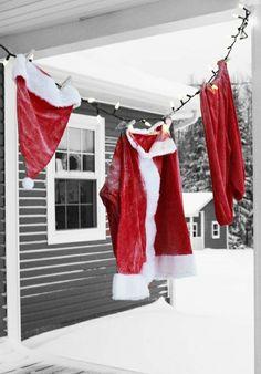 Christmas Garden, Winter Christmas, Christmas Home, Christmas Ornaments, Christmas Ideas, Merry Christmas, Country Christmas, Christmas 2019, Hanging Christmas Lights