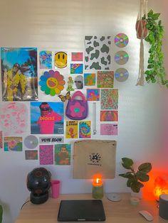Indie Bedroom, Indie Room Decor, Cute Bedroom Decor, Room Ideas Bedroom, Bedroom Inspo, Mode Rose, Retro Room, Cute Room Ideas, Aesthetic Room Decor