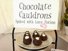 Chocolate cauldrons - Harry Potter themed party