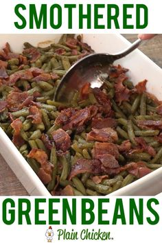 Smothered Green Beans - canned green beans baked in bacon brown sugar butter soy sauce and garlic This is the most requested green bean recipe in our gets seconds SO good Great for a potluck Everyone asks for the recipe Super easy to make Side Dish Recipes, Veggie Recipes, Crockpot Recipes, Cooking Recipes, Healthy Recipes, Keto Recipes, Beans Recipes, Weight Watcher Vegetable Recipes, Soul Food Recipes