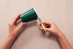 Adventskalender basteln und Geschenke einpacken: Eine Idee, zwei weihnachtliche Verwendungszwecke.