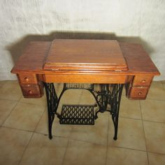 Machine coudre wertheim fin 19 me machines coudre - Table machine a coudre singer ...