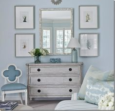 living-room-blue-dresser-eclectic-home-decor-room-ideas-suzanne-kasler-decorating #EasyPin