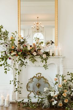 Combining opposite design themes can bring some fun and truly unique idea to light. Floral Centerpieces, Wedding Centerpieces, Floral Arrangements, Wedding Decorations, Minimalist Wedding, Minimalist Fashion, Minimalist Style, Minimalist Wardrobe, Floral Wedding