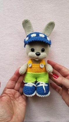 Knitting Animals Knitting And Crocheting Knitting animals – knitting for beginners, knitting patterns, knitting project Mini Amigurumi, Crochet Doll Pattern, Crochet Toys Patterns, Crochet Patterns Amigurumi, Stuffed Toys Patterns, Amigurumi Doll, Crochet Dolls, Doll Patterns, Boys Knitting Patterns Free
