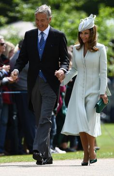 Jane Matthews did the mother of the groom look brilliantly at Pippa Middleton and James Matthews' wedding Pippa Middleton Wedding Dress, Carole Middleton, Middleton Family, Father Of The Bride Outfit, Mother Of The Bride, Kate Middleton Latest News, Mother In Law Dresses, Pippa And James, James Matthews