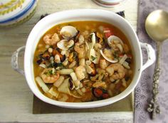 Seafood with white beans | Food From Portugal. This seafood recipe with white beans is a traditional dish of the Portuguese coast. It's quite rich, tasty and has excellent presentation. It's ideal for a family lunch.  http://www.foodfromportugal.com/recipe/seafood-white-beans/