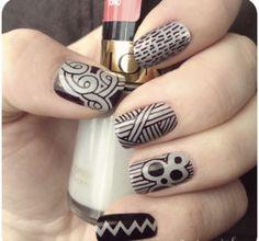 DIY - Se faire un nail art avec des crayons sharpie | Bulles + Bottillons http://bullesetbottillons.com/diy-nail-art-crayons-sharpie/