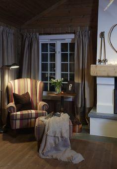 Cabin Design, House Design, Rustic Room, Ranch Style Homes, Interior Decorating, Interior Design, Cabin Interiors, Wooden House, Furniture Arrangement