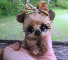 Little Bittie Bears - Art Dolls Today...no sure if this is felted...absolutely darling!