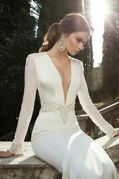 Not sure about the daring look for a wedding dress but it is absolutely beautiful.