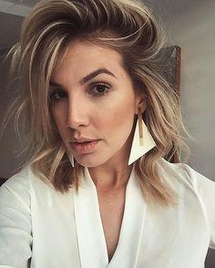 WEBSTA @ annaprataoficial - Bom dia, amadas! ✨🙌🏼Que brinco divo é esse?! 😱MaravilhosooV E N D A S:•Corner Ótica Kelen LenzaRua 1.137, N 241, Marista•-> Whatsapp 62 9 8164-5907•Enviamos para todo Brasil e Exterior#acessorios #brincos #colares #braceletes #coleiras #photo #instagood #me #photooftheday #followme #follow #oodt #accessories #fashion #style #glamour #annaprata #annaprataacessorios #mloures #mlouresbossatropical