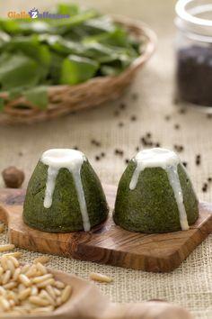 I flan di #spinaci e taleggio (spinach flans with taleggio cheese sauce) sono…