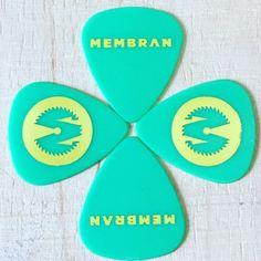 Yeah! Neue #Plektren für #Membran in coolem #gruen #gelb #rocknroll #plektron #sundaygroove