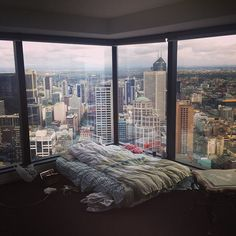 m-ercer:  kimmismiles:  idkdonna:  narobe:  kimmismiles:  I love sleeping here.   OH MY GOD thats amazing  I THINK I WOULD LEGITIMATELY CRY OF HAPPINESS IF I WOKE UP HERE EVERY MORNING O LORD  my bedroom has become tumblr famous again lol.  Jesus, I wish this was mine bedroom omg