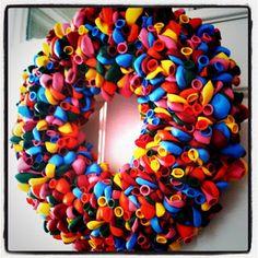 DIY Summer Balloon Wreath HERE YOU GO KAREN!!!