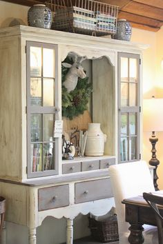 I could make the hutch look like this.