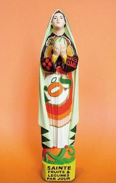 Soasig Chamaillard | Détournement Statue Sainte Vierge | Sainte Fruits et Légumes