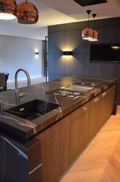 Grillo Bronze F project Versteegh Design Farmhouse Style Kitchen, Home Decor Kitchen, Kitchen Furniture, Kitchen Interior, Home Interior Design, Kitchen Cabinet Colors, Kitchen Cupboards, Best Kitchen Designs, Modern Kitchen Design
