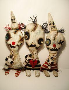 Comical, cute and creepy / Junker Jane Art Dolls and Soft Sculptures #Halloween #dolls #JunkerJane