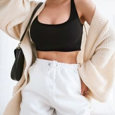 Instagram @ootd_by_jolie       #fashionstyle #fashionpost #syreetstyleoutfit #casualoutfit #simpleoutfotidea #outfitforschool #falloutfitidea #inspirationoutfit #winteroutfit Winter Outfits, Ootd, Casual Street Style, White Shorts, November, Fashion Outfits, Instagram, Women, November Born