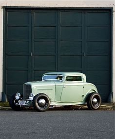 Vintage Cars Life - coupe